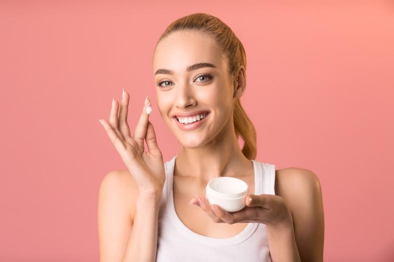 Blonde Model Cream Jar Beauty