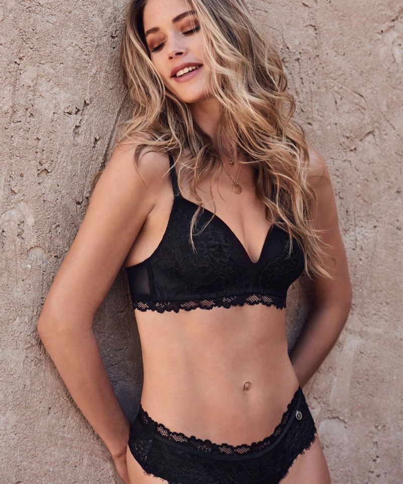 Flaunting her toned figure, Doutzen Kroes appears in Hunkemoller spring 2020 lingerie collection
