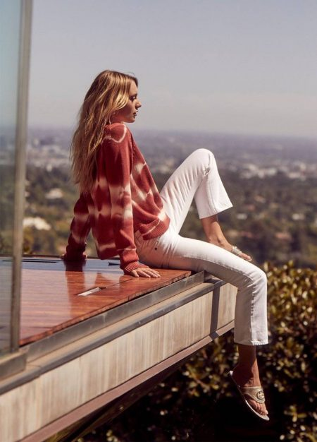 Maya Stepper Lounges in 360 Cashmere Spring 2020 Campaign