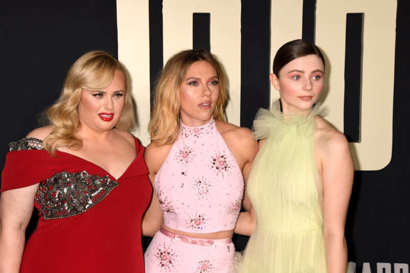Rebel Wilson, Scarlett Johansson, Thomasin McKenzie JoJo Rabbit premiere