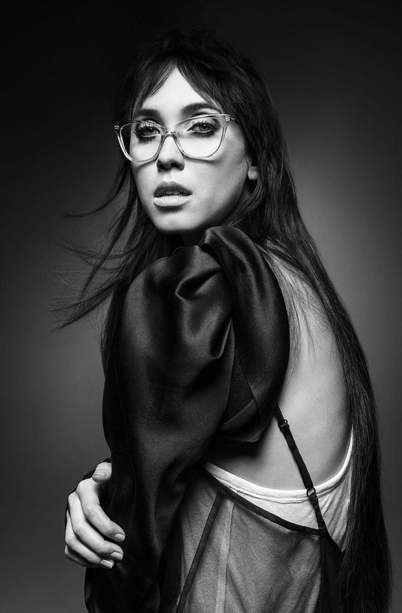 Eyewear takes the spotlight in Vera Wang spring-summer 2020 campaign