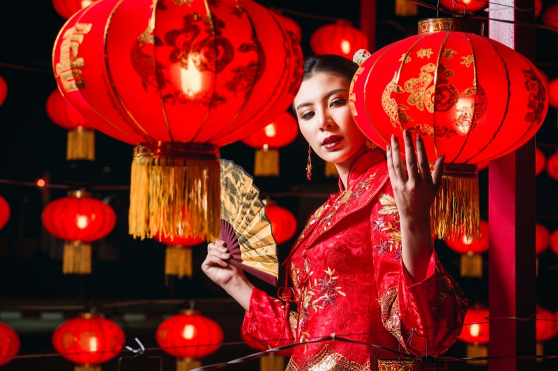 Chinese Model Traditional Red Dress Fashion