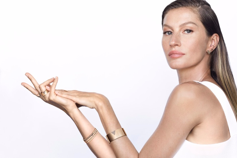 Gisele Bundchen for Vivara Icona 2020 jewelry campaign