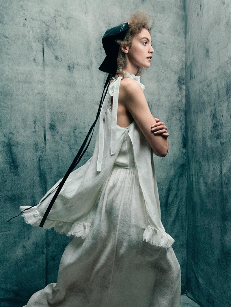 Maria Rosa Wears Romantic Looks for TELVA Magazine