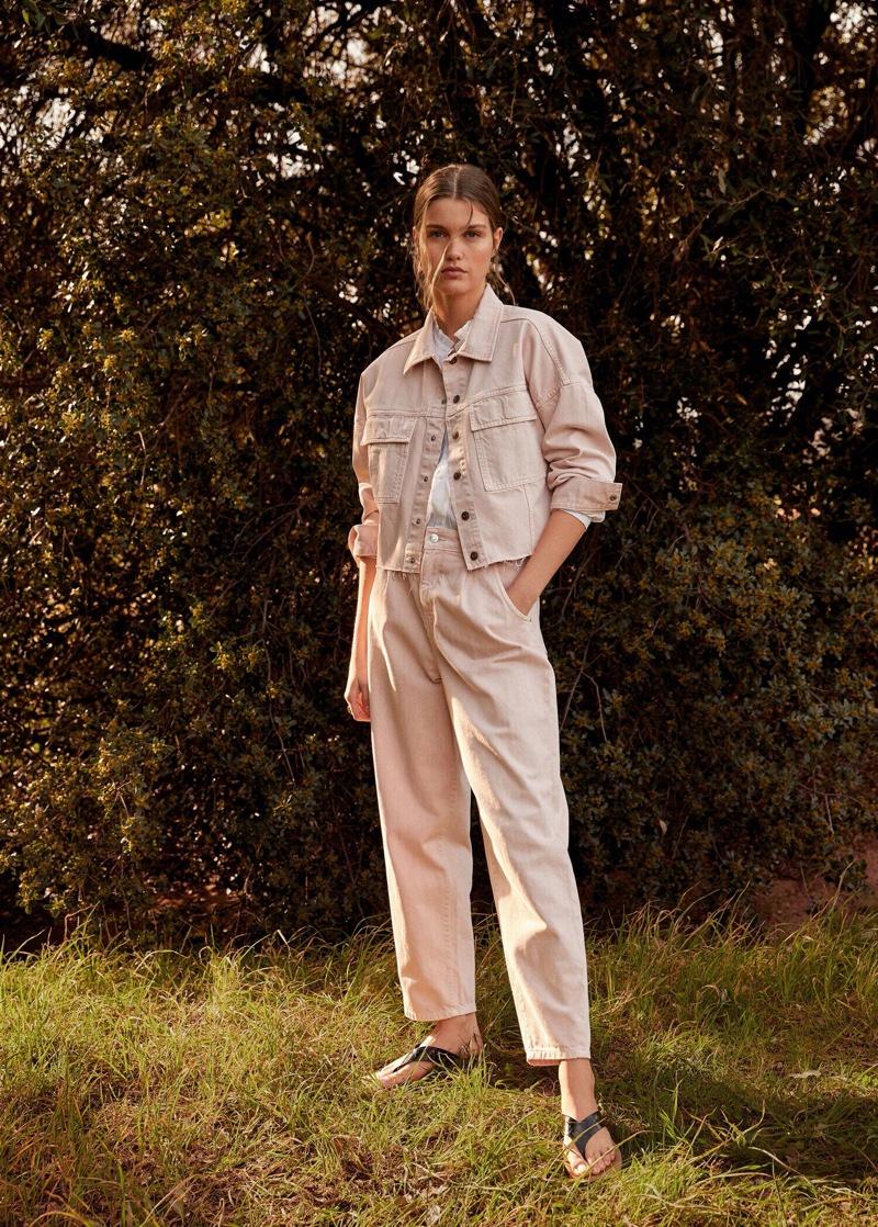 Luna Bijl embraces spring trends in Mango Romantic Vibe editorial