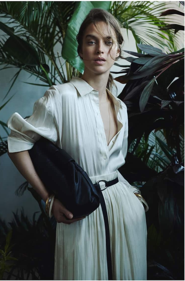 Julia Jamin poses in Massimo Dutti Limited Edition spring-summer 2020 collection
