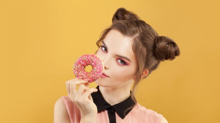 Model Beauty Pink Donut Bun Hairstyle