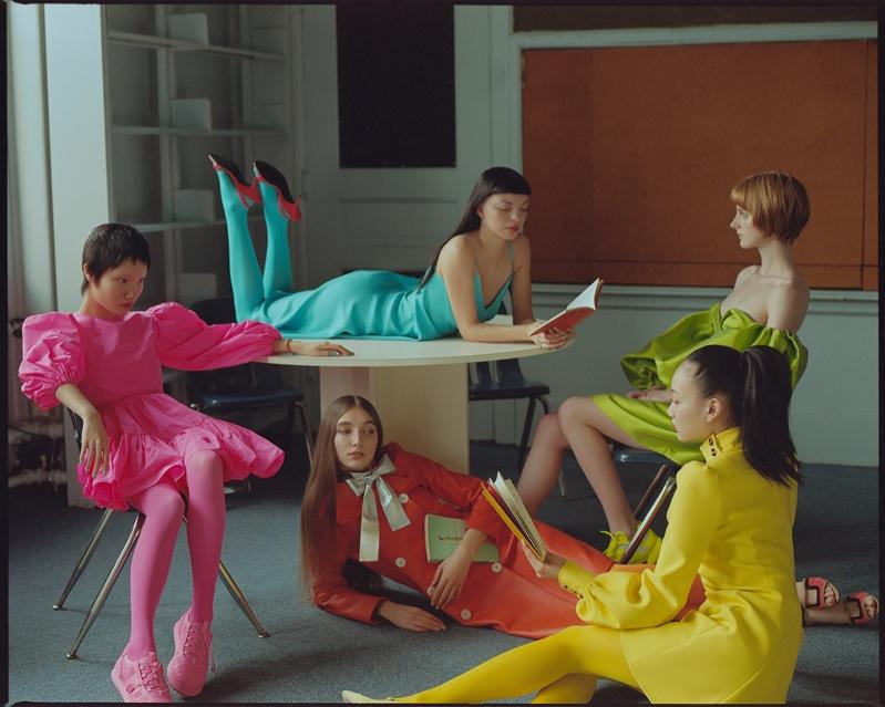 Spring Wonderland: Neon Style Makes a Statement in Grazia China