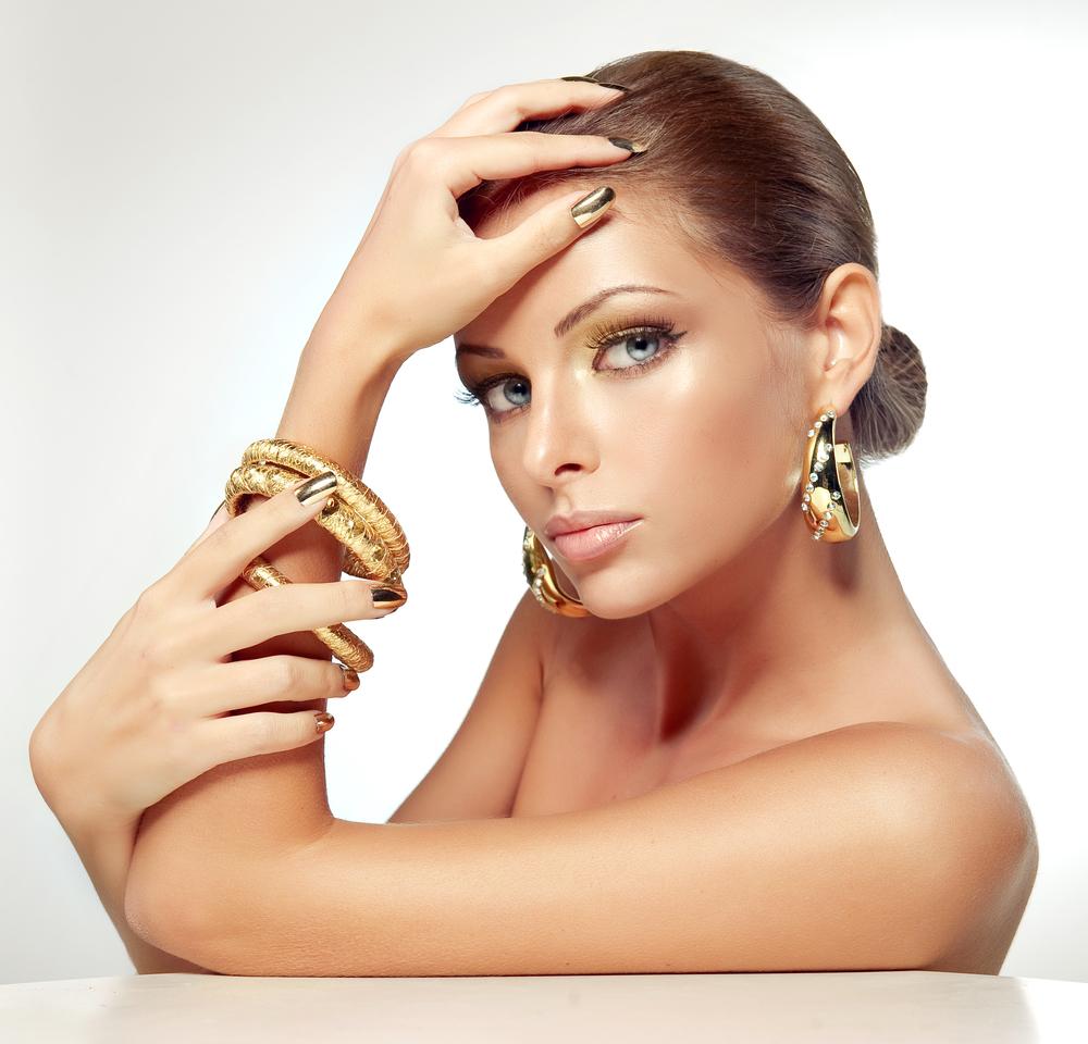 Woman Gold Jewelry