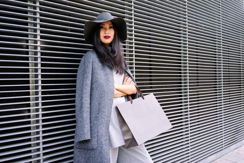 Fashionable Woman Floppy Hat Coat Blank Bag