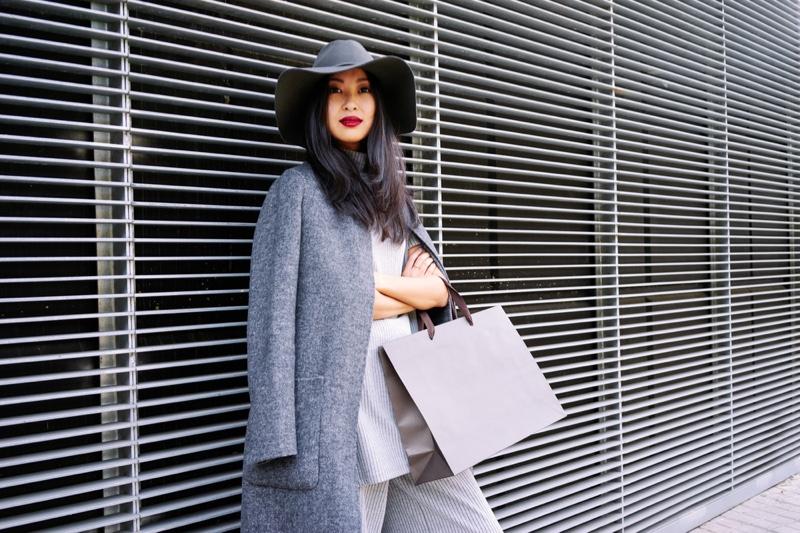Fashionable Woman Floppy Hat Coat Blank Bag