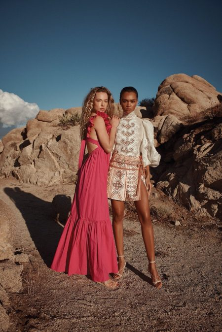 Hannah & Samantha Pose in Intermix's Trendy Spring 2020 Styles