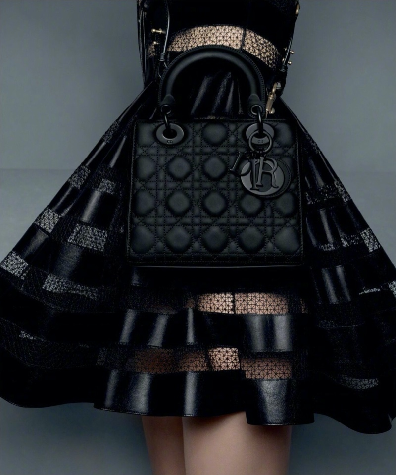 An image from Dior's pre-fall 2020 advertising campaign