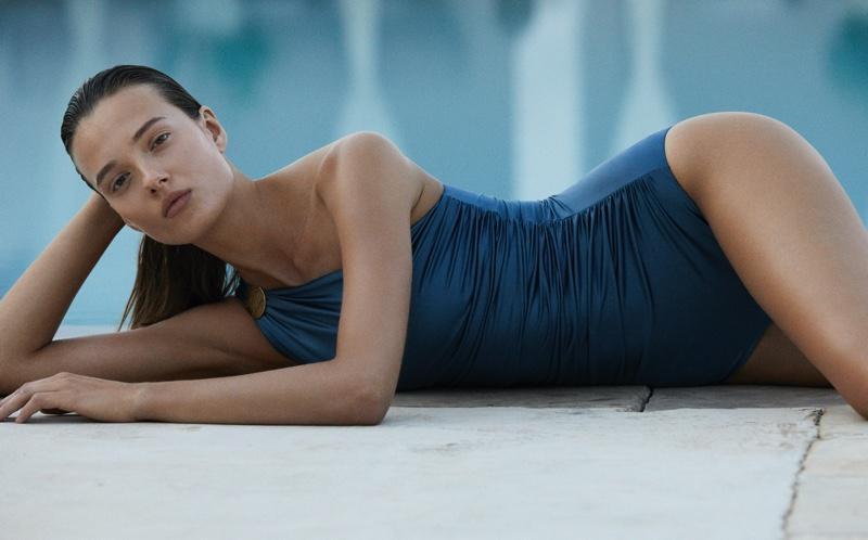 Model Alicja Tubilewicz poses in Max Mara Leisure Beachwear spring-summer 2020 lookbook
