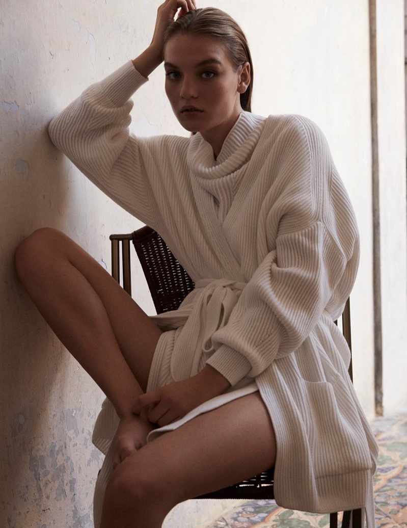 Agnes Akerlund layers up in Max Mara Leisure spring-summer 2020 lookbook