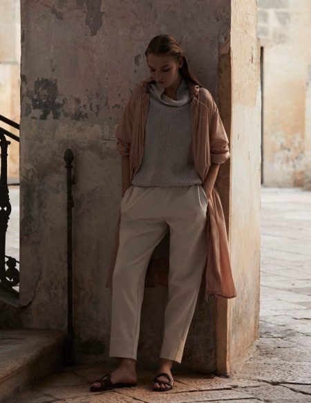 Agnes Akerlund Lounges in Max Mara Leisure Spring 2020 Collection
