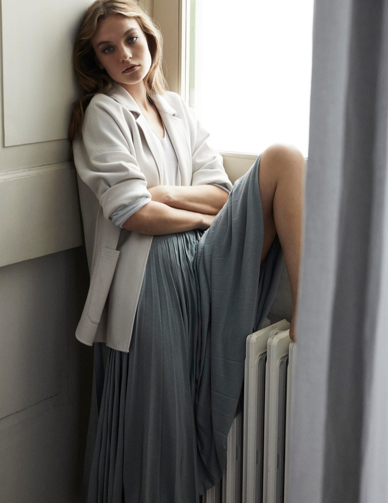 An image from Max Mara Leisure's spring 2020 lookbook