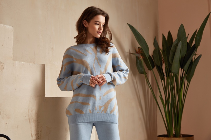Model Print Sweater Blue