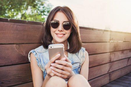 Smiling Phone Sunglasses Brunette