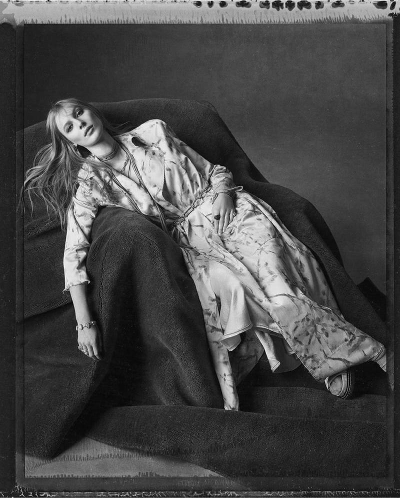 Julia Nobis appears in Zara spring-summer 2020 campaign