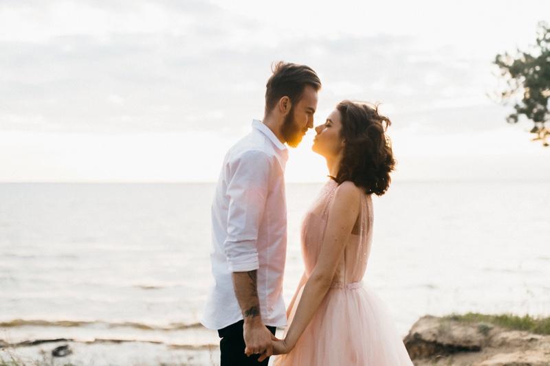Couple Beach Wedding Dress Romantic