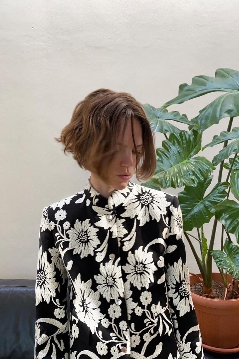 Freja Beha Erichsen wears Zara spring-summer 2020 arrivals.