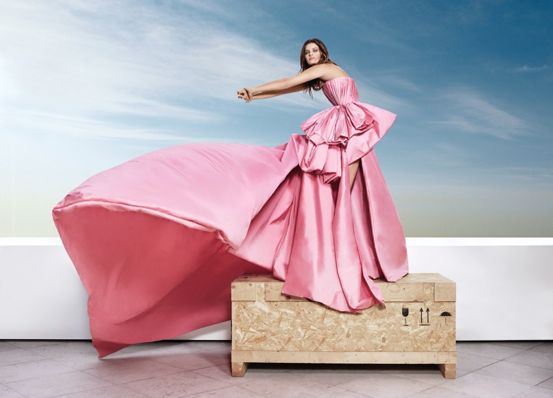Striking a pose, Isabeli Fontana fronts Ali Younes Couture campaign.
