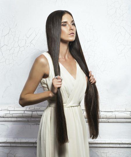 Model Super Long Hair
