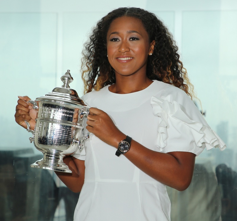 2018 US Open champion Naomi Osaka poses with US Open trophy in New York