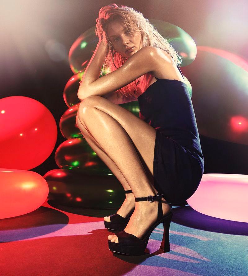 Yana Trufanova wears all black in Steve Madden summer 2020 campaign.