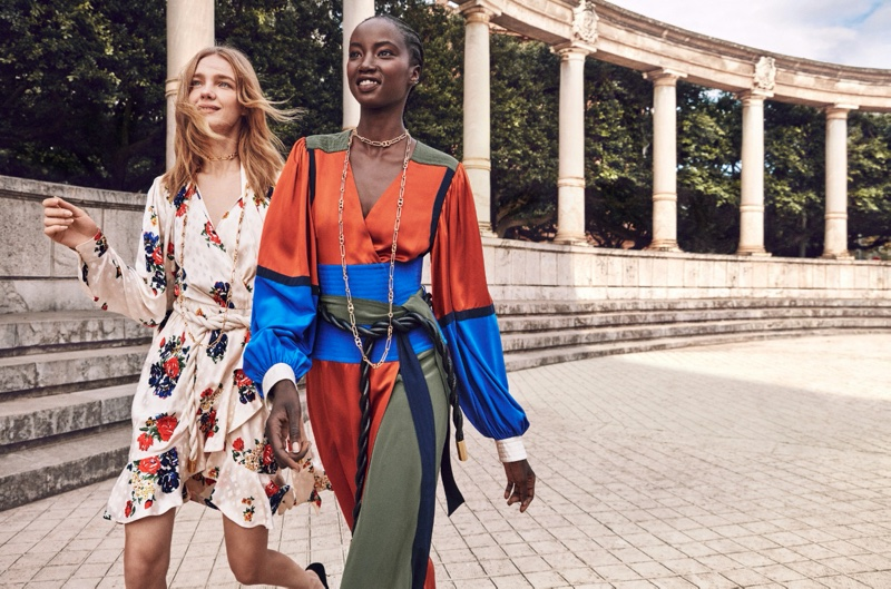 An image from Tory Burch's spring 2020 advertising campaign.