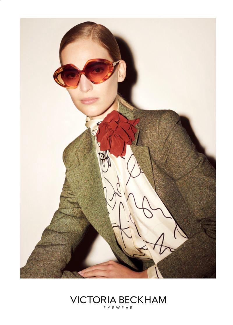 Vanessa Axente channels retro vibes in Victoria Beckham Eyewear spring-summer 2020 campaign.