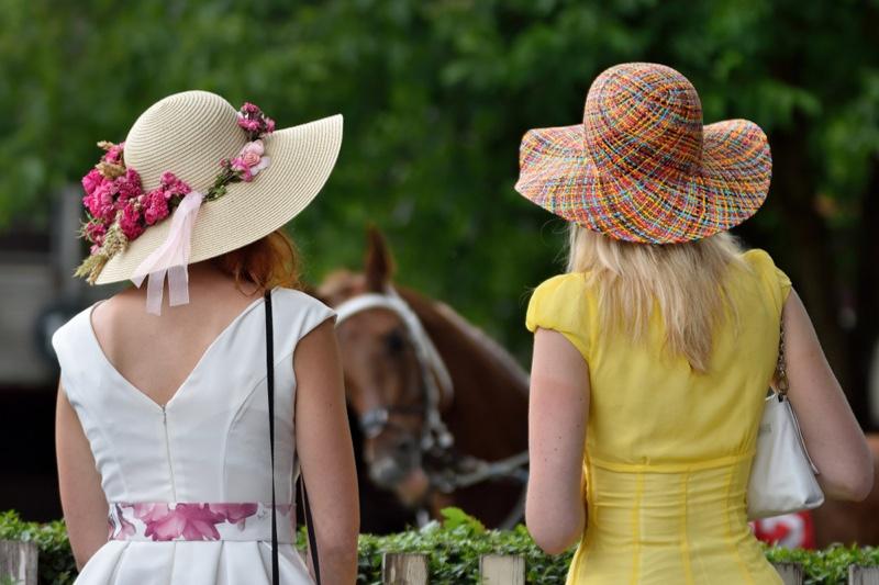 Women Derby Hats Dresses Horse Race
