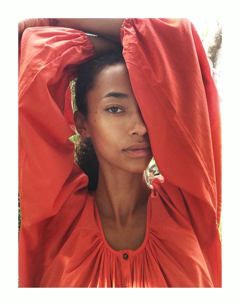 Anais Mali Poses at Home for M Magazine Milenio
