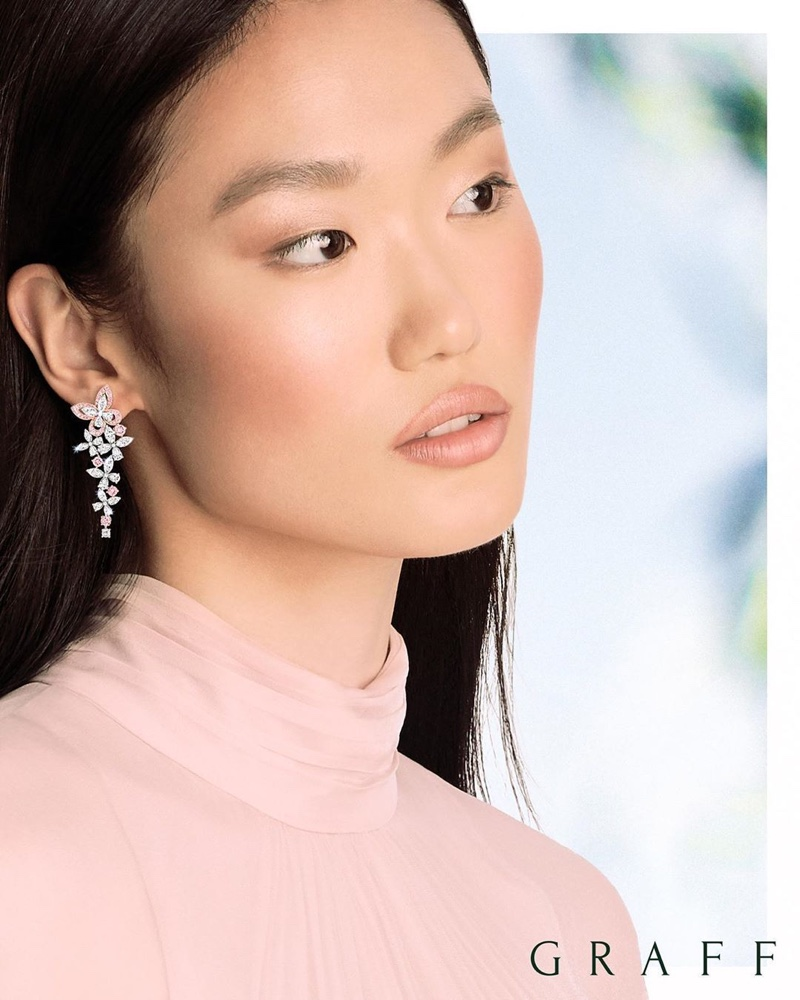 Looking pretty in pink, Xiaoni Wang fronts Graff Diamonds spring 2020 collection.