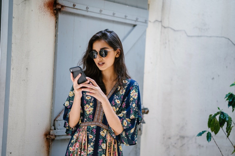 Influencer Fashion Floral Print Top Phone Sunglasses