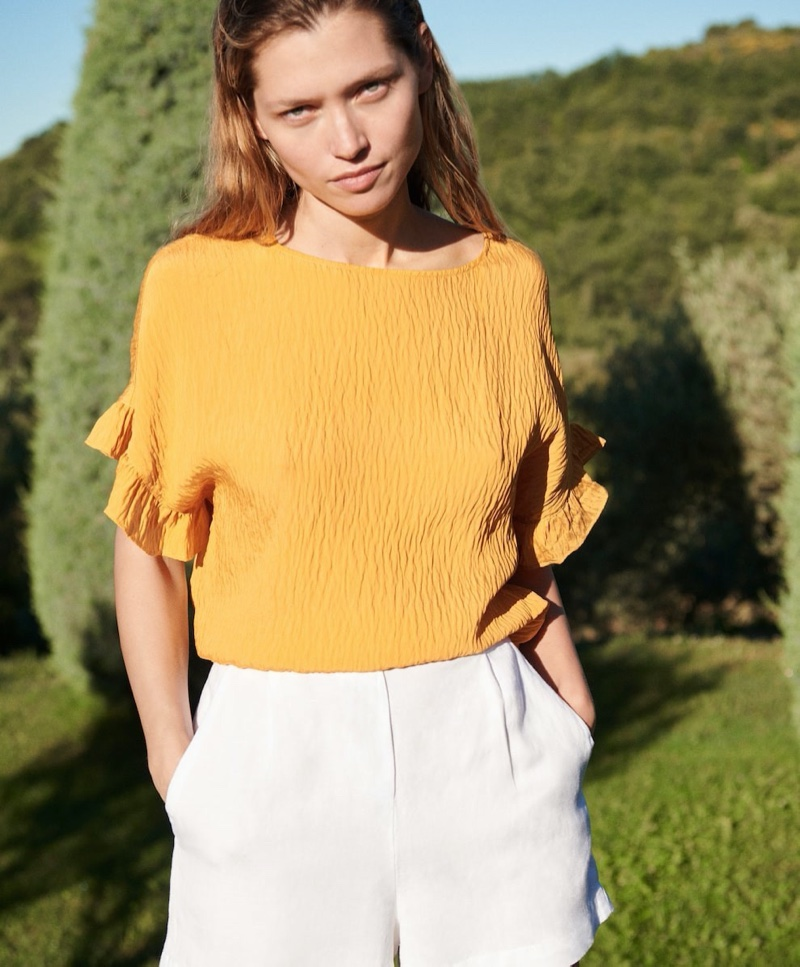 Hana Jirickova fronts Oysho summer 2020 collection.