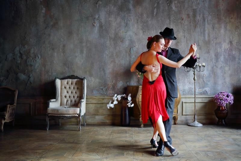 Photo Couple Dancing Tango Latin