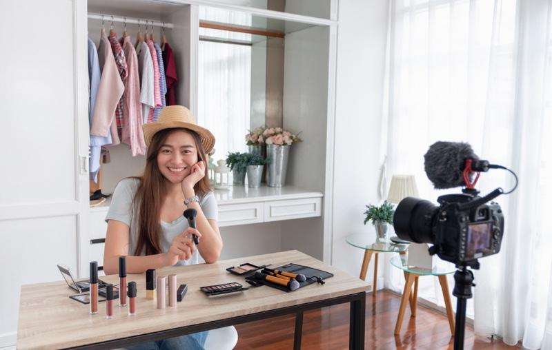 Asian Girl Influencer Video Makeup Camera