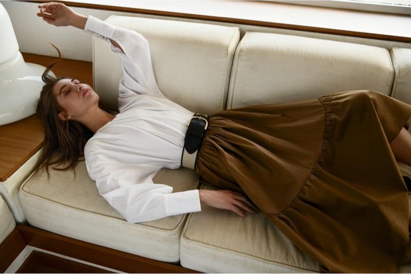 Model Grace Elizabeth tries on Massimo Dutti's summer 2020 styles.