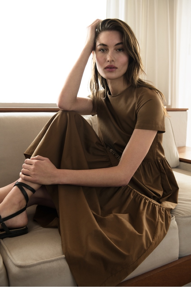 Massimo Dutti Dress with Gathered Poplin and Flat Wide-Strapped Brown Sandals.