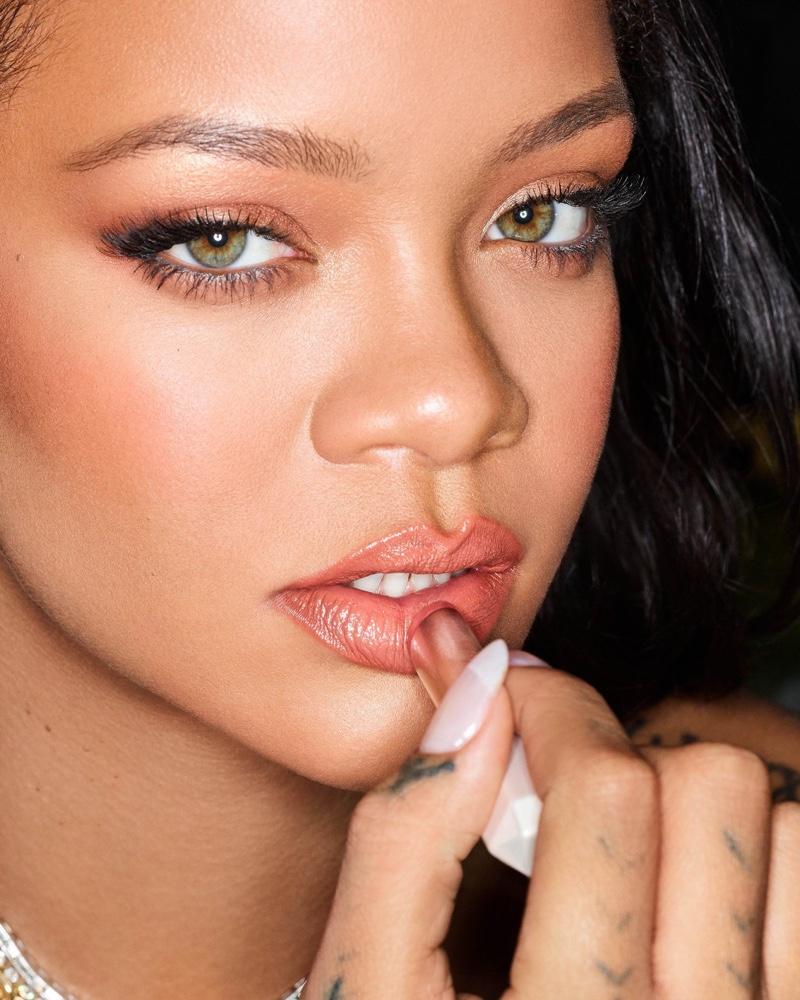 Fenty Beauty SLIP SHINE Sheer Shiny Lipstick worn by Rihanna.