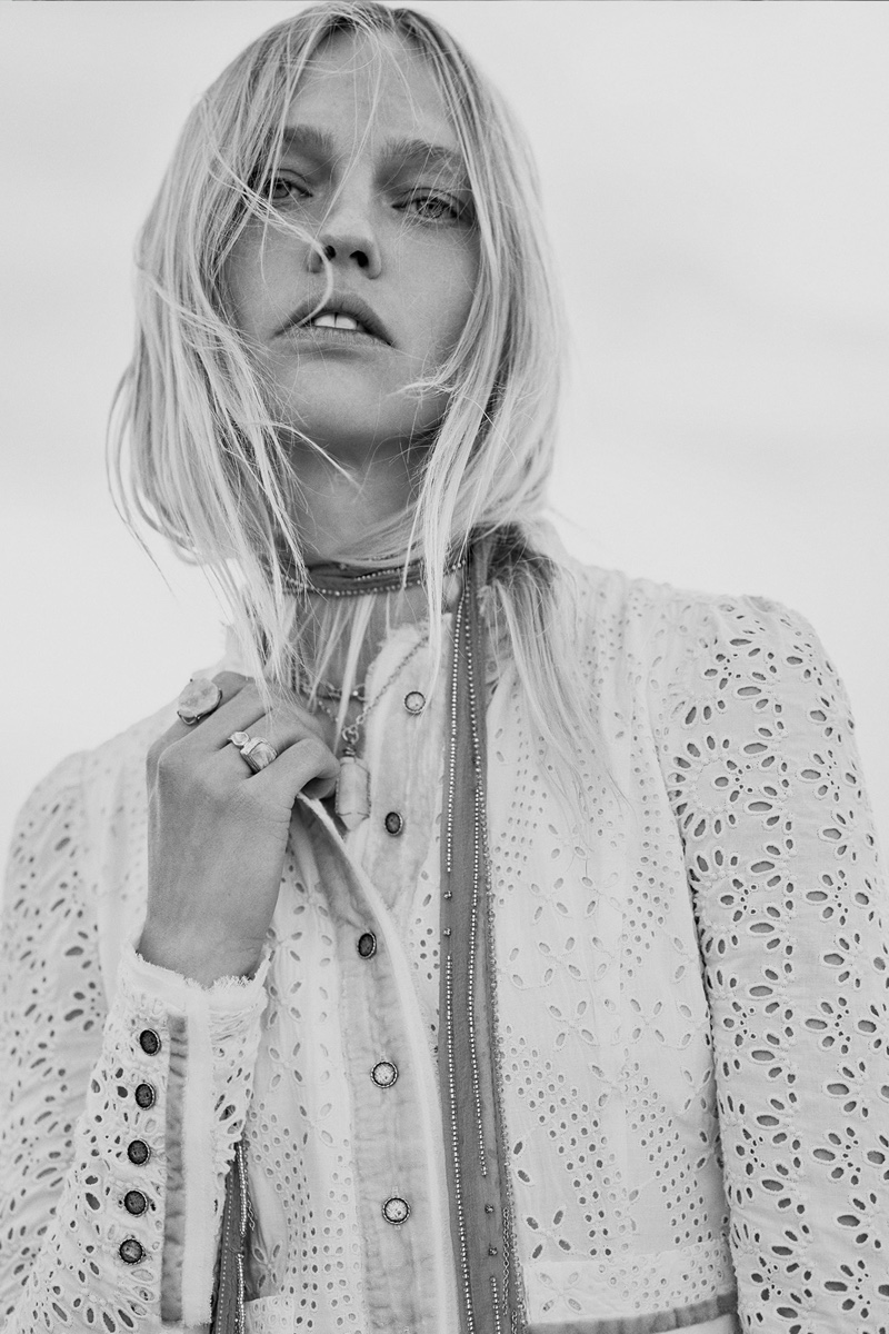 Sasha Pivovarova wears bohemian style in Zara fall 2020 trend guide.