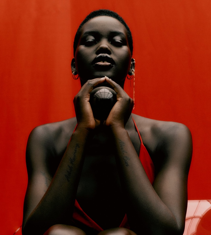 Ready for her closeup, Adut Akech poses in Zara's fall 2020 arrivals.