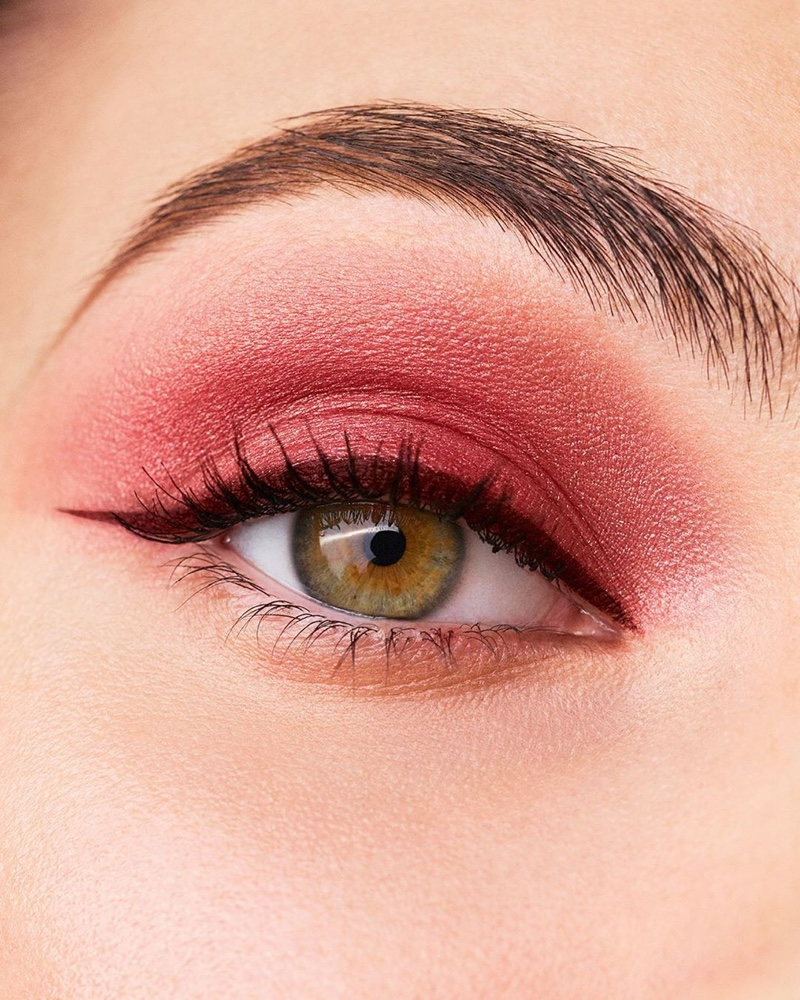 Vittoria Ceretti wears red eyeshadow in Chanel Makeup fall-winter 2020 campaign.