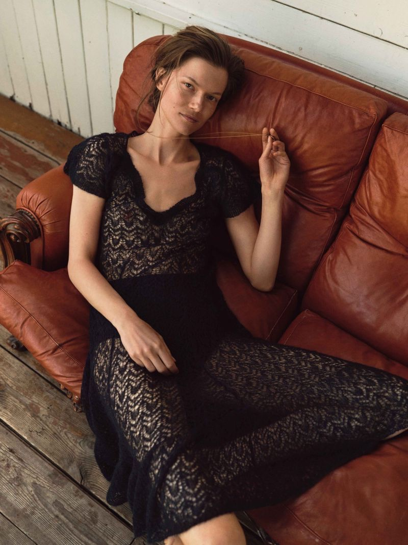 Kasia Struss Poses in Chic Fashions for ELLE Poland