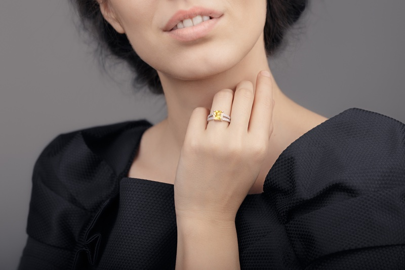 Model Cropped Yellow Diamond Ring