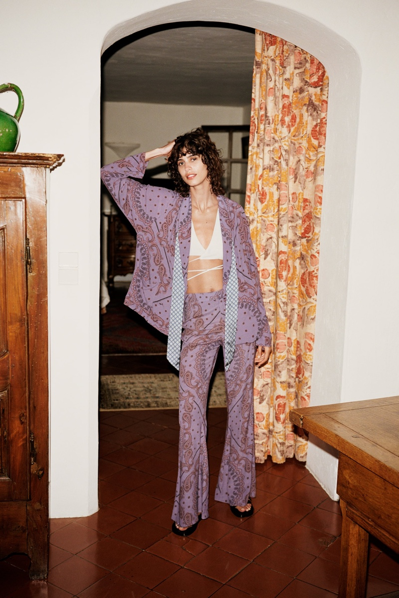 Mica Arganaraz models Zara late summer 2020 collection.