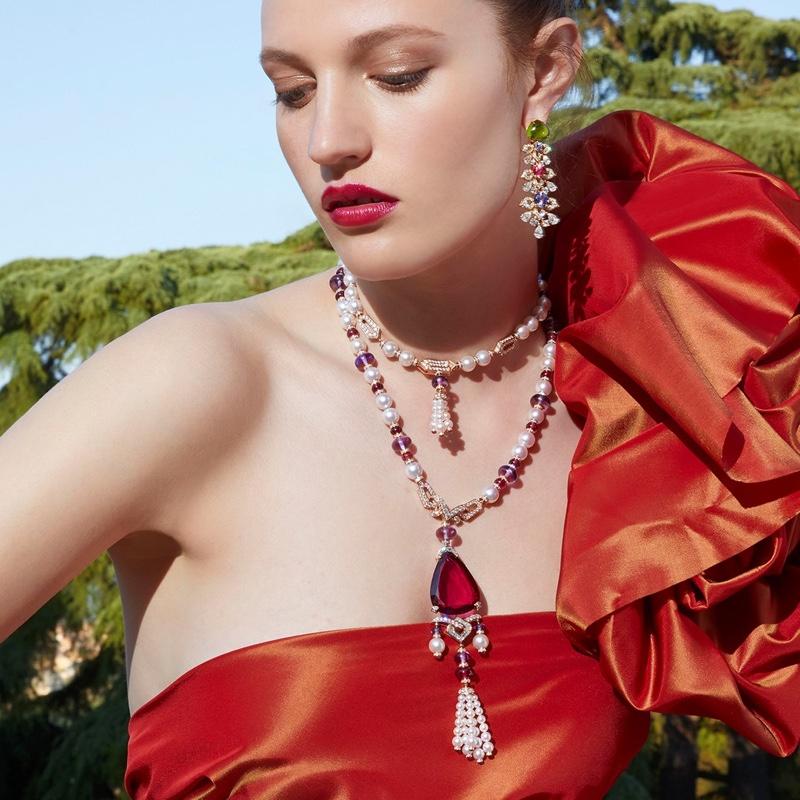Model Julia Banas shines in Bulgari Barocko High Jewelry campaign.
