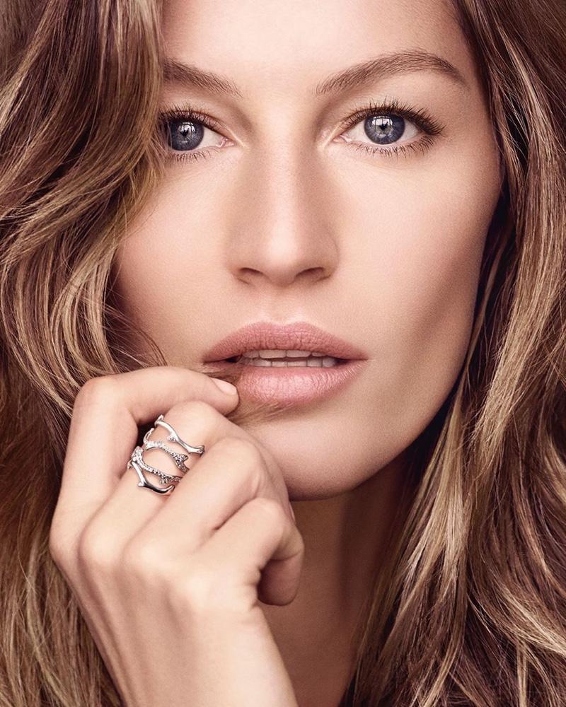 Gisele Bundchen stars in Dior Capture Totale Super Potent Serum campaign.